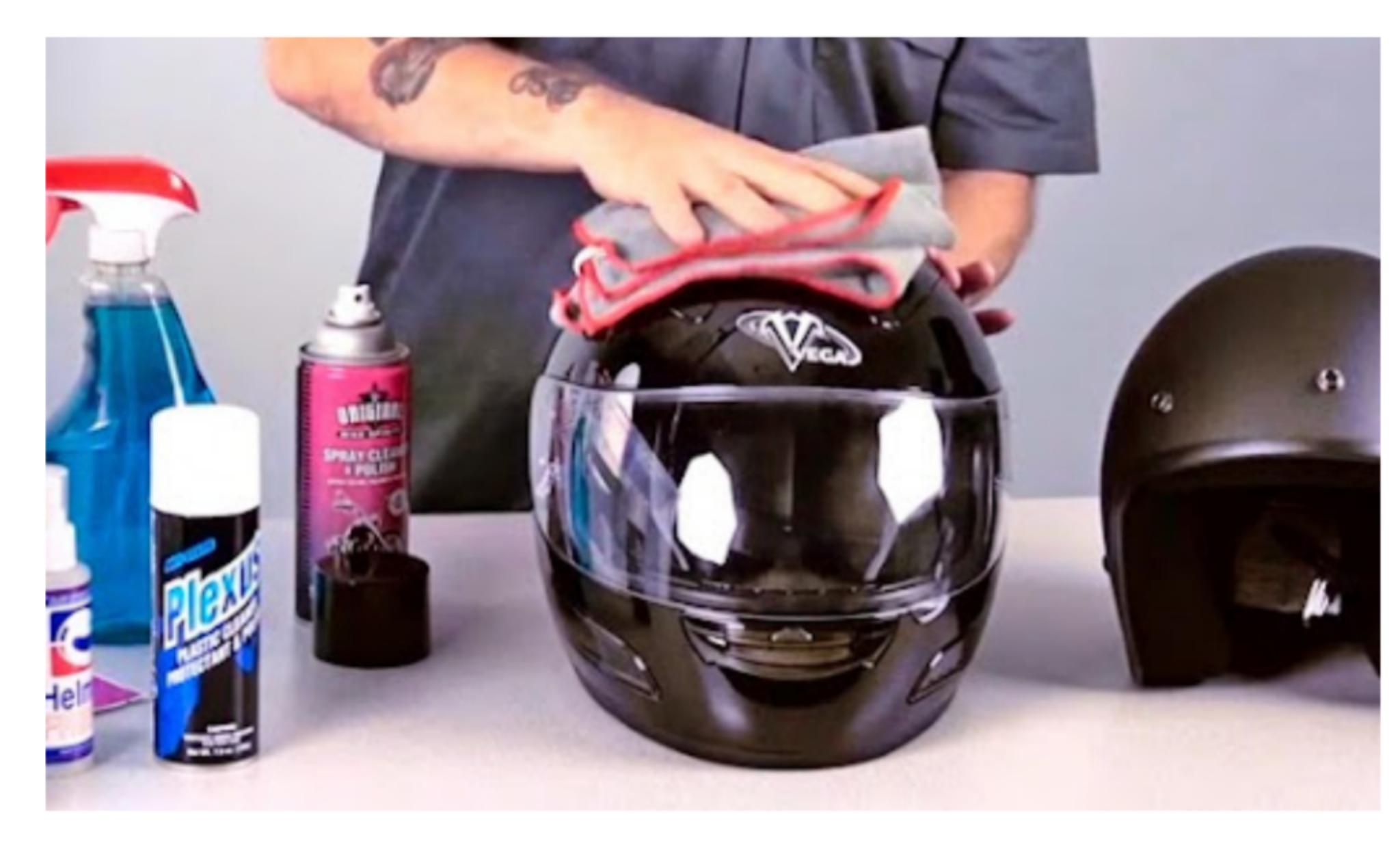 10 Cara Mencuci Helm di Rumah yang Mudah dan Cepat